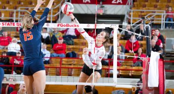 ohio state_volleyball_womens_2017_illinois-1 copy